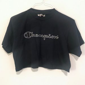 Champion | Logo Spell Out Cropped Navy Tee Large
